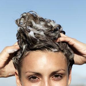 「髪が生えない…」と思ったときに試してみたい正しい育毛に効果的なシャンプーの仕方